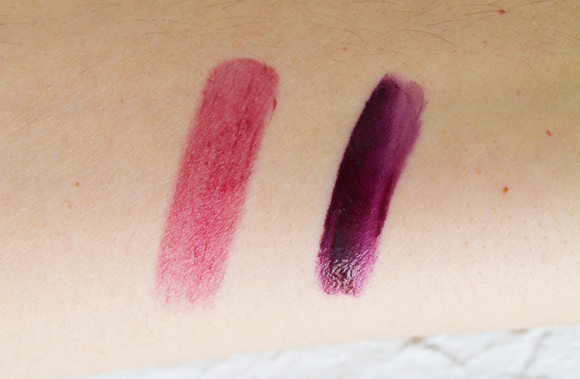 Burberry kisses Oxblood, NARS Velvet Lip Glide in Toy