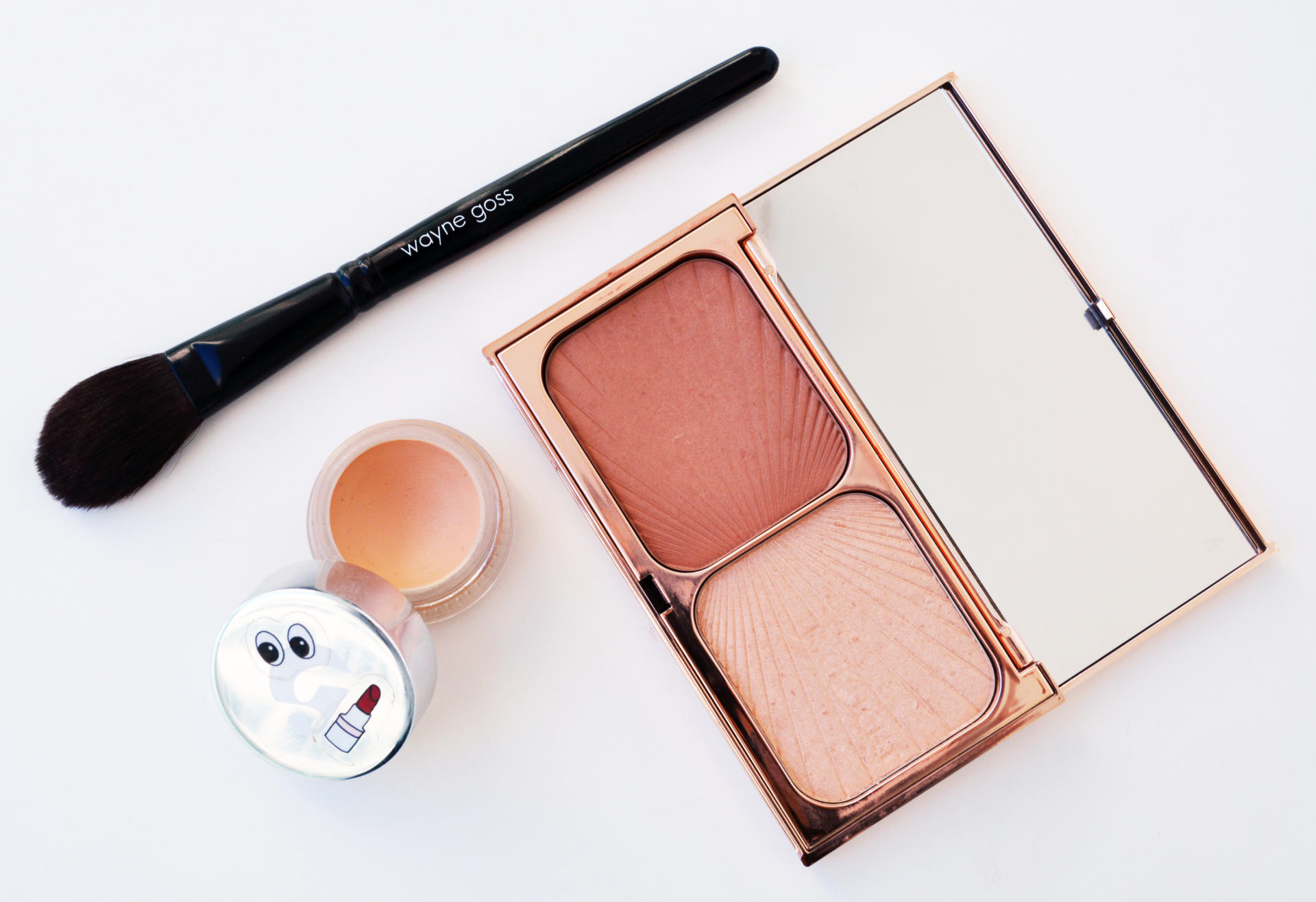 Charlotte Tilbury Filmstar Bronze & Glow, Wayne Goss The Air-Brush, Glossier Stretch Concealer